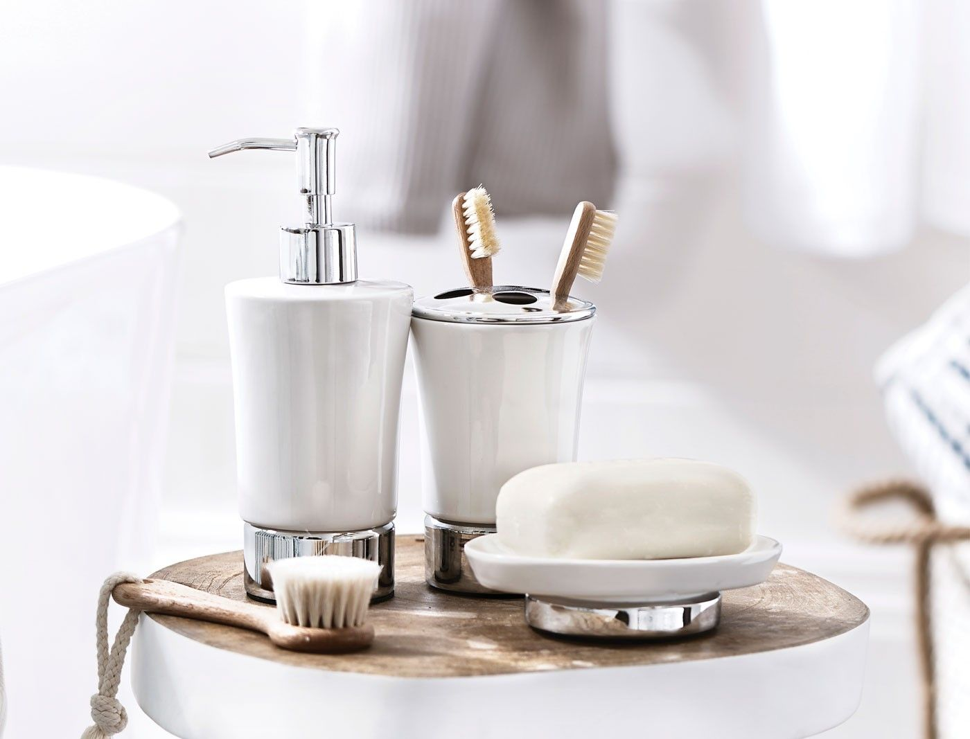 Bathroom Accessories That Every Bathroom Requires